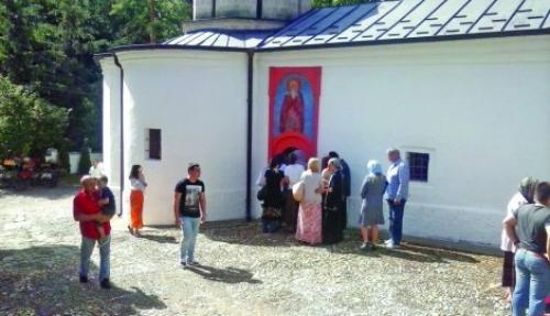 У току месеца манастир посети и 35.000 људи Фото Ивана Анђелковић