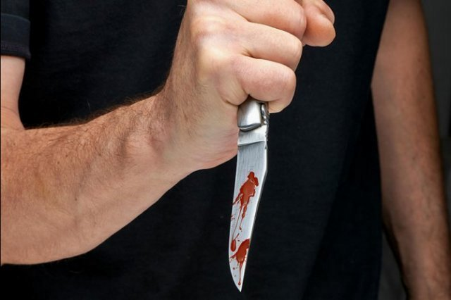 Страсти се не смирују: У нападима ножем повређени тинејџер и старији мушкарац