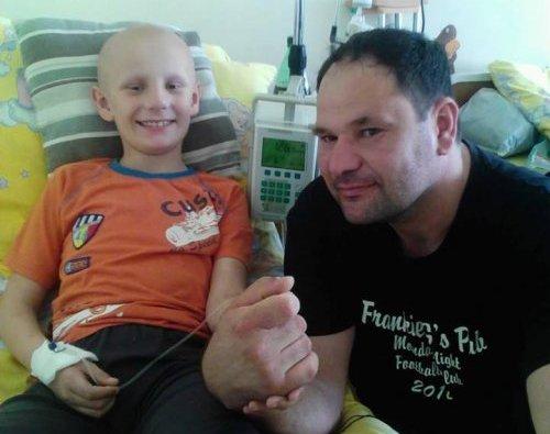 Neophodna materijalna pomoć za dvanaestogodišnjeg dečaka Lazara Rajkovića