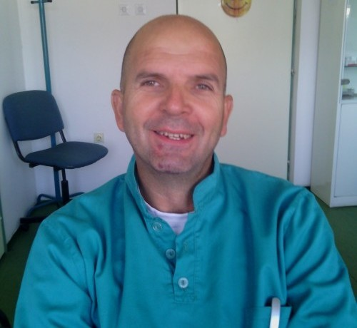 Doktor za zube, ali i za zmije