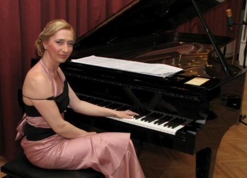 Драгана Ђорђевић - када клавир звучи као оркестар