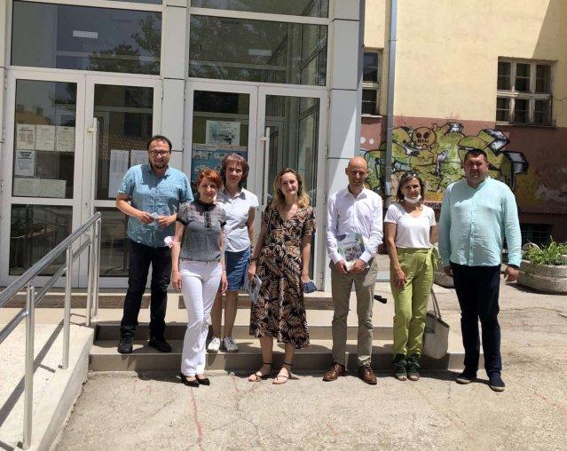 Ataše Ambasade Francuske u poseti škole Ljupče Nikolić