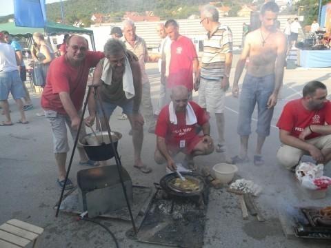 Takmičenje majstora riblje čorbe