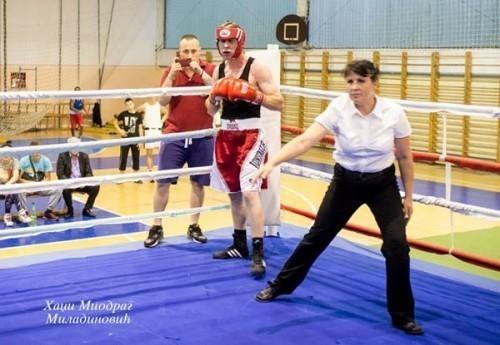 Марија Младеновски, једна од две жене судије у српском боксу