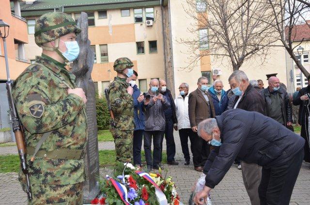Matica Rusa Novi Sad polaže venac stradalim žrtvama bombardovanja Alekisnca