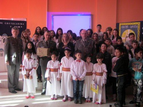 Vojska donirala knjige deci na Aleksinačkom rudniku