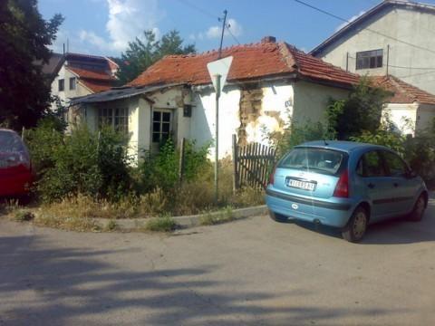 Niš, Kuća za rušenje na placu od 3.47 ara