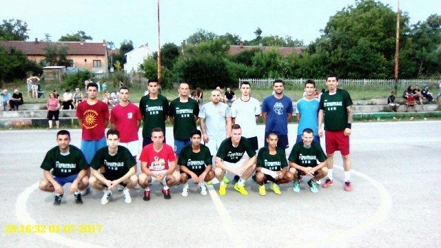 Mali fudbal-- MZ Al. Rudnik (zelene majice, pobednik) i MZ Vukašinovac, ostali