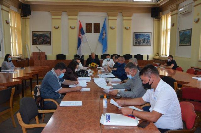 Седница Општинског већа: нацрт плана зимског одржавања општинских путева