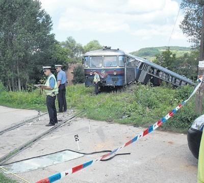 Šinobus udario u kamion, povređeni otac i trinaestogodišnji sin