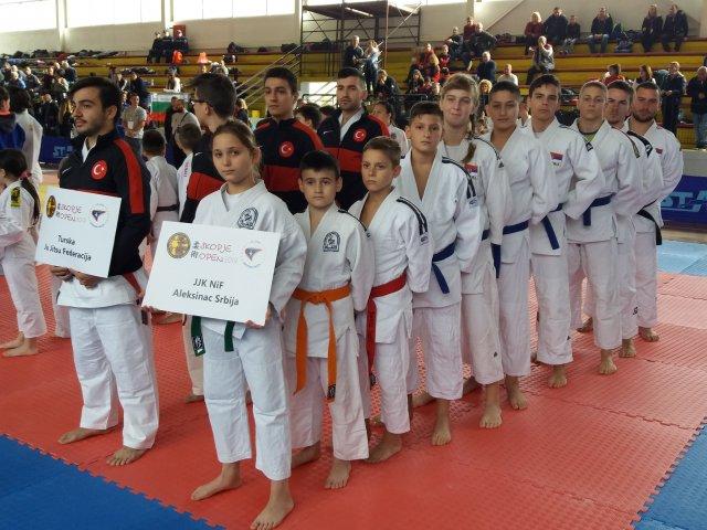 Са осам медаља се враћају из Скопља