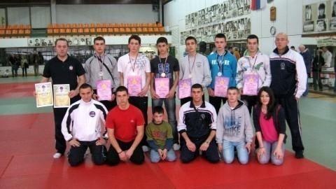 НИФ oсвојио две медаље у Ђенови