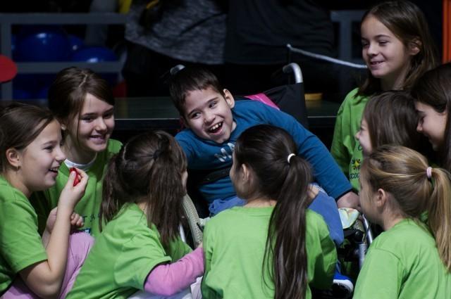 UNICEF-ov sportsko-rekreativni program za inkluziju dece