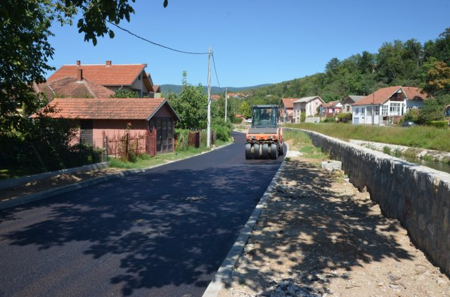 Окончање радова на асфалтирању Спортске улице