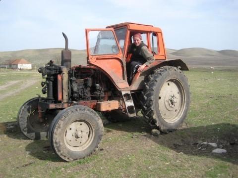Poginuo traktorista u Česti